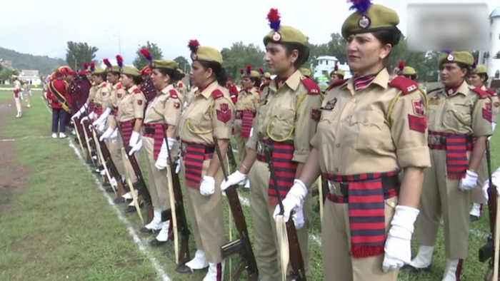 J&K cops brief on restrictions, ask people to celebrate Aug 15 'dabaa ke'