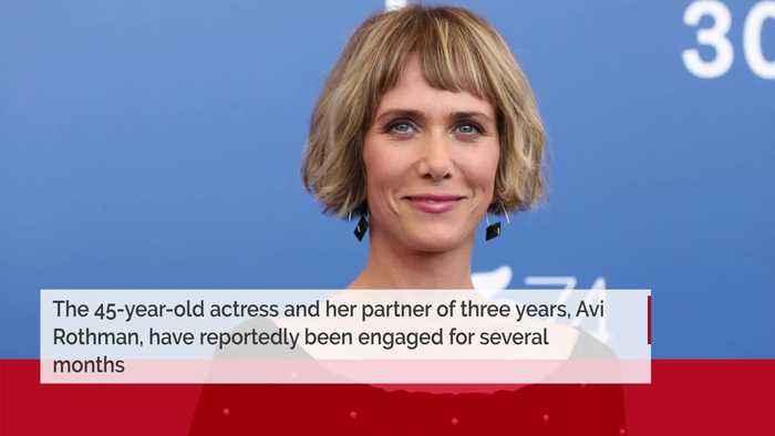 Kristen Wiig engaged