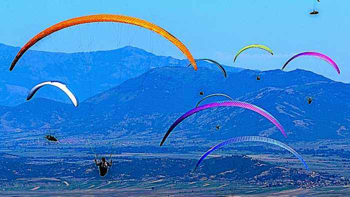 US female paraglider hopes to inspire other women