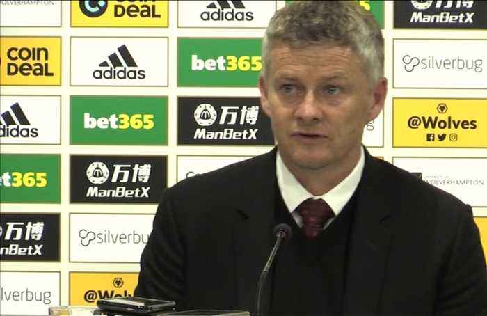 Solskjaer defends Pogba's penalty miss