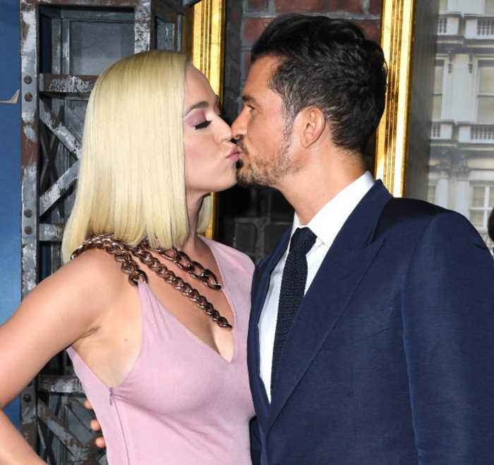 Orlando Bloom and Katy Perry write love notes to each other