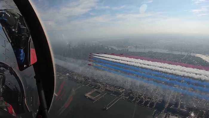 Red Arrows perform over New York