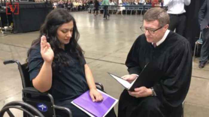 Judge Does Impromptu Citizenship Oath For Pregnant Woman Having Contractions