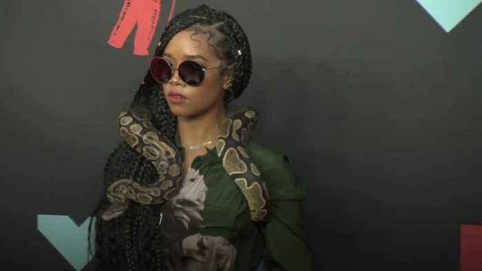 MTV VMAs: Red carpet highlights