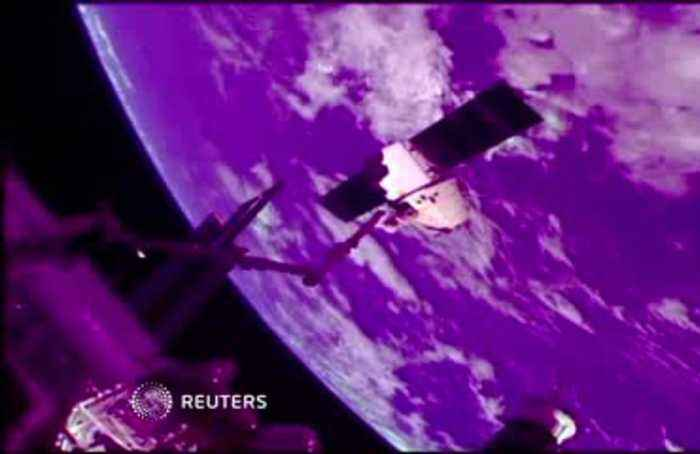 SpaceX cargo craft detaches from ISS, returns to earth