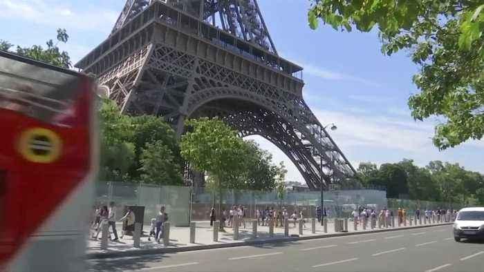 Tourism in Paris nearing record high