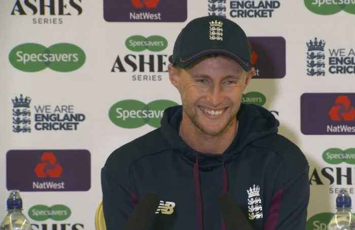 England switch seam attack with Overton in for Woakes