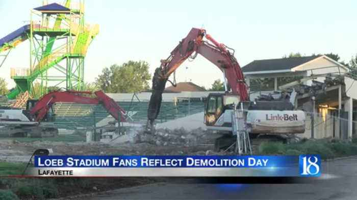 Residents reflect as Loeb Stadium is torn down