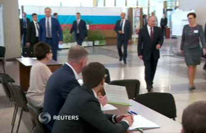 Russia's ruling party loses third of Moscow seats