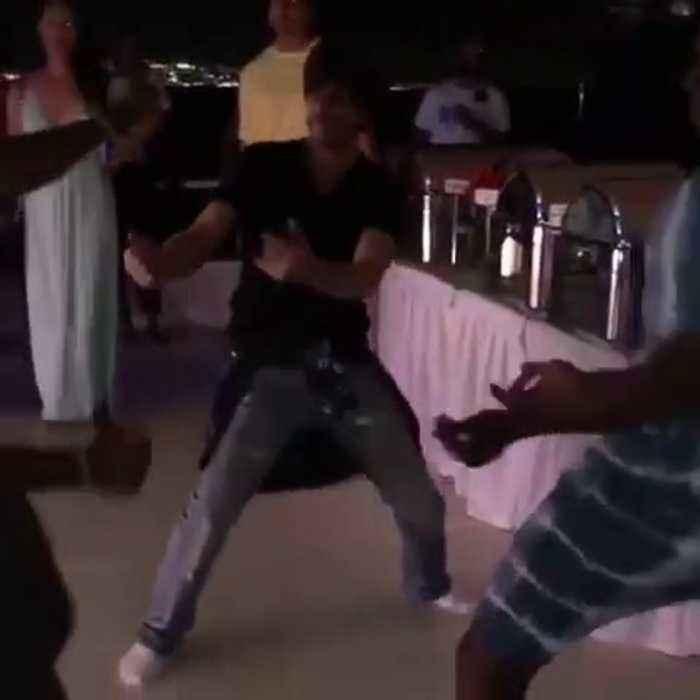 Trinbago Knight Riders Party   Shah Rukh Khan, Dwayne Bravo's Lungi Dance