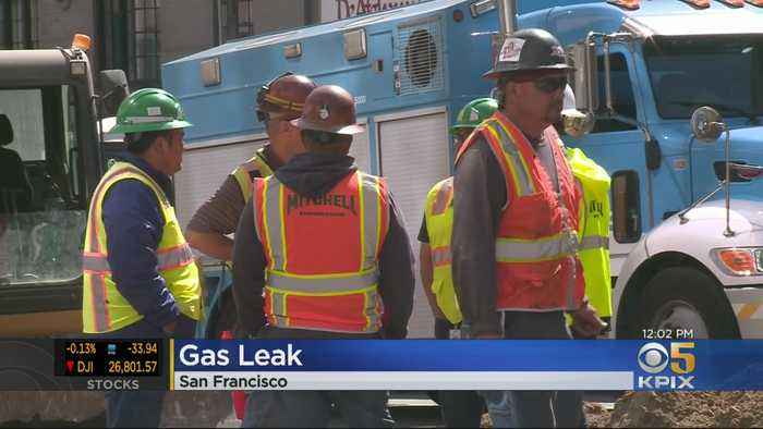 Gas Leak Briefly Shuts Down Geary Boulevard At Van Ness In San Francisco