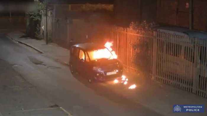 Car thief sets vehicle alight in Ilford