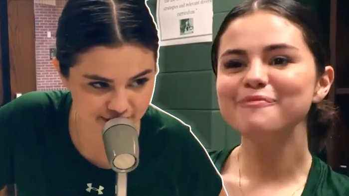 Selena Gomez RETURNS To Her Middle School & REVEALS She Used To Eat Lunch ALONE!