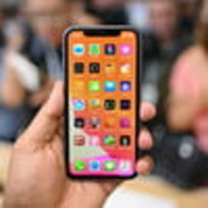 Apple iPhone 11 / 11 Pro / 11 Pro Max Hands On Review | Pro-Worthy Display, Insane Camera Design
