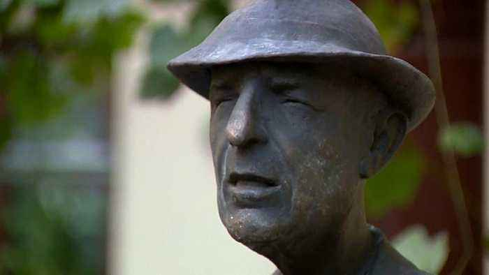 Leonard Cohen: Statue of late singer-songwriter unveiled in Vilnius, Lithuania