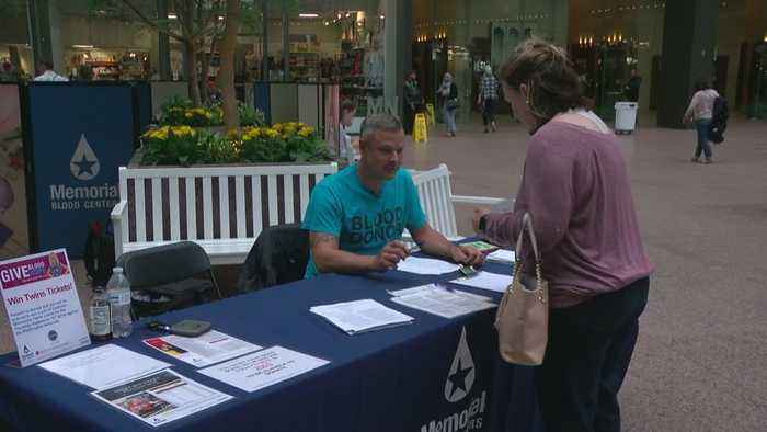 Minnesotans Line Up To Give Blood On Anniversary Of 9/11