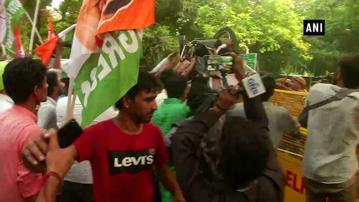 Youth Congress protests outside Nitin Gadkari's residence over hike in traffic penalties