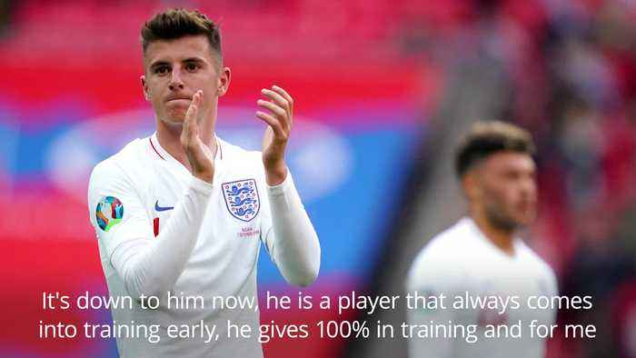 Ashley Cole: Mason Mount can be a top player