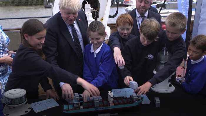 Boris Johnson says bridge between Northern Ireland and Scotland would be 'very good'