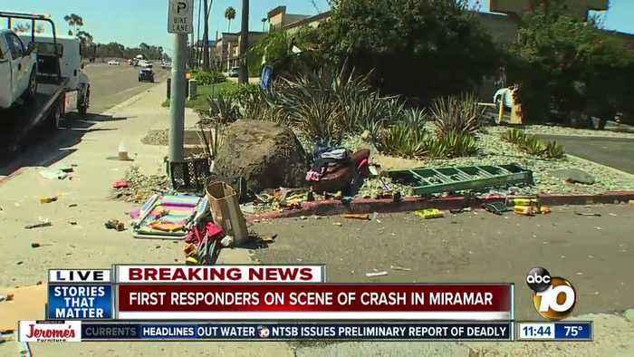 At least 1 hurt in crash on Miramar Road