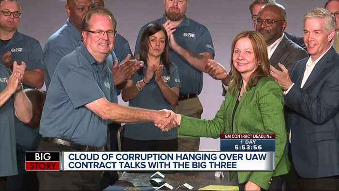 UAW extends contracts with Ford & FCA indefinitely amid GM negotiations