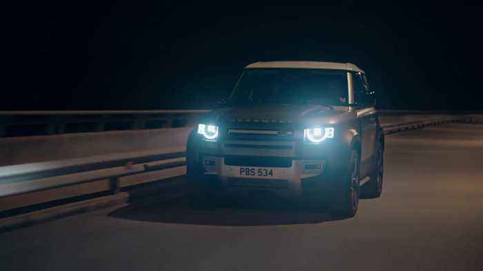 The new Land Rover Defender Driving Video