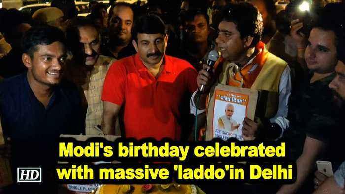 Modi's birthday celebrated with massive 'laddo'in Delhi