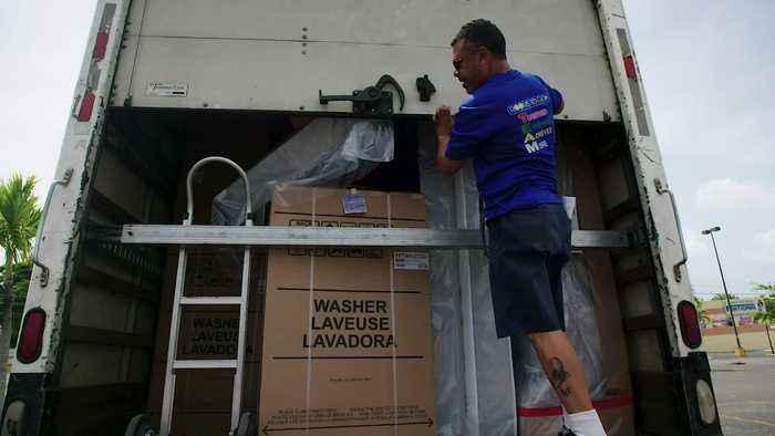 Somos Una Voz and Extra Bases Foundation Donate Home Essentials After Hurricane Maria