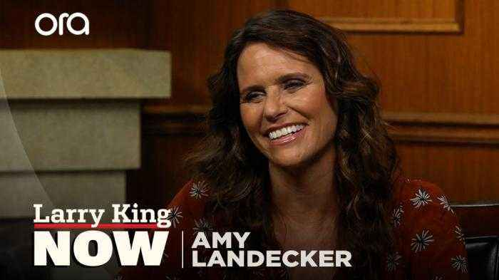 'We opened the door': 'Transparent' star Amy Landecker on show's influence on LGBTQ representation
