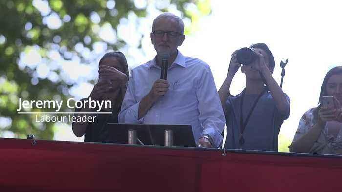 Jeremy Corbyn addresses climate protest in London