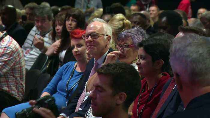 Diane Abbott pokes fun at Boris and Jo Johnson
