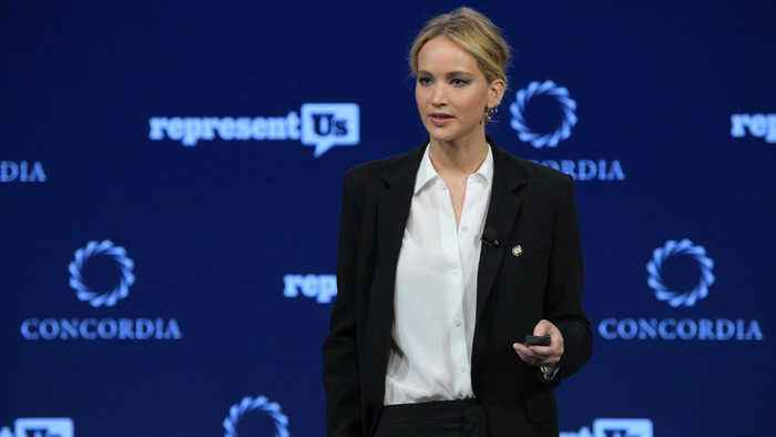 Jennifer Lawrence teams up with Amazon to give friends and fans weddings gift ideas