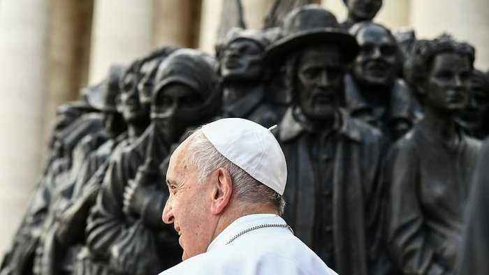 Pope Francis: Don't sell weapons and turn away refugees fleeing wars