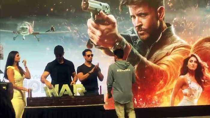 WAR Movie Success Party   Hrithik Roshan, Tiger Shroff, Vani Kapoor Cake CUTTING With Media
