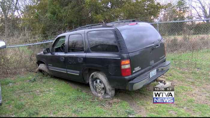 Driver sought after leading Chickasaw County deputies on chase