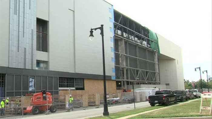 New facade starts to go up at Hulman Center