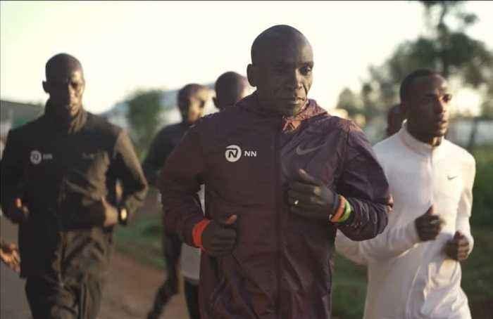 Kipchoge arrives in Vienna ahead of marathon challenge