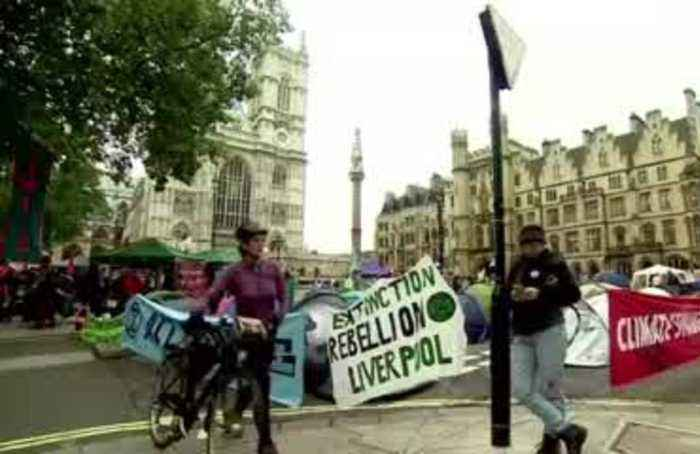 London wakes up to another day of climate rebellion