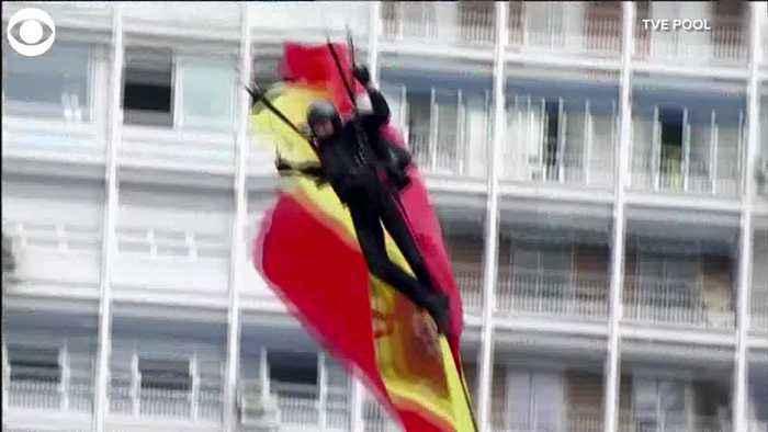 WEB EXTRA: Parachutist Crashes Into Lamp Post