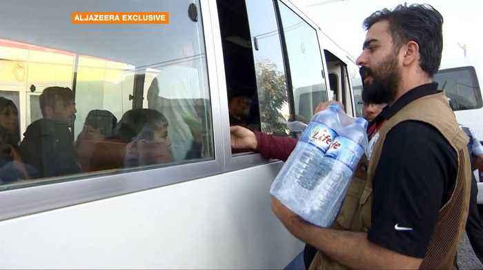 Turkey's offensive in Syria: Syrian Kurds flee to northern Iraq