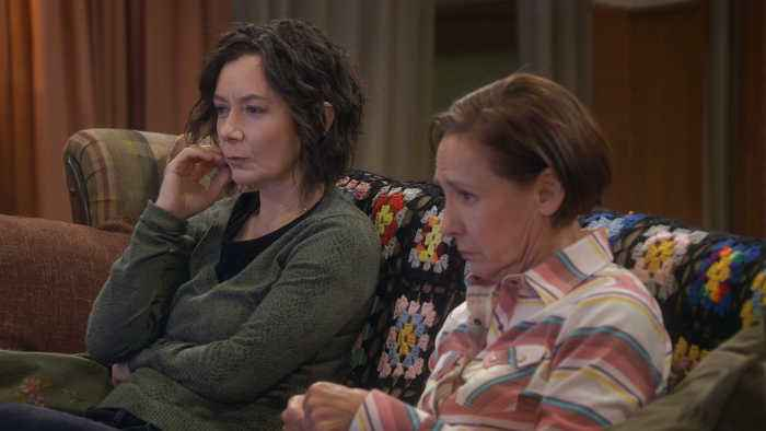 Darlene and Jackie Watch 'The Bachelor'