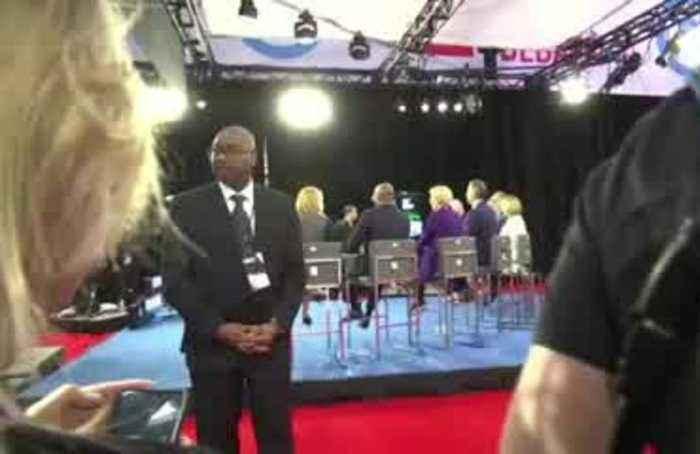 Dem hopefuls target Warren in latest debate