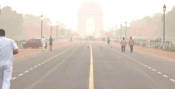 "Air Quality plunges to 'Poor' category in Delhi, locals complain ""feeling suffocated"" 