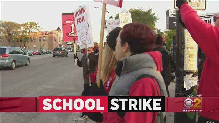 Chicago Teachers Continue Strike For Second Day