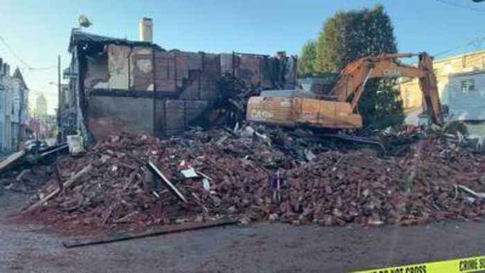 Raw: Demolition resumes Monday on Allentown row homes damaged by massive fire
