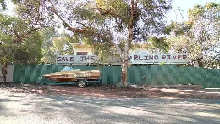 Australia's mighty river runs dry