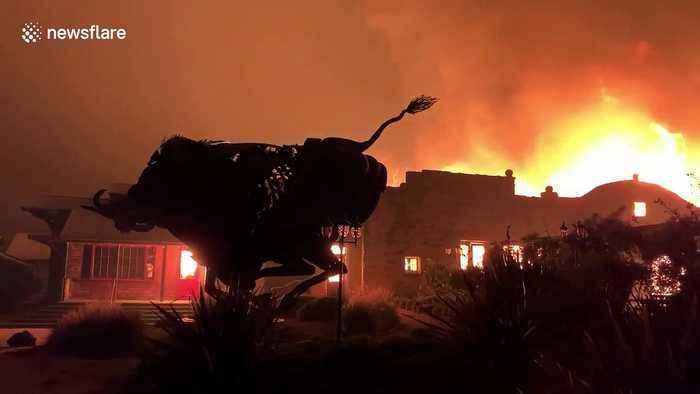Wineries burn as Kincade fire spreads in Sonoma County, California