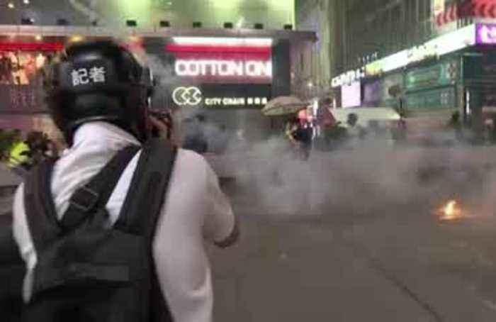 Protesters hurl petrol bombs in Hong Kong