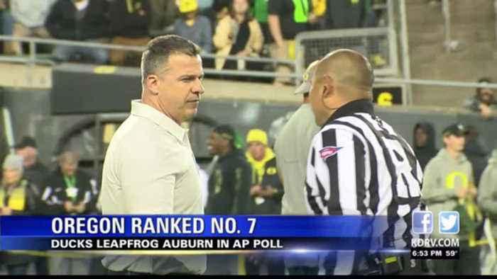 Oregon reaches No. 7 in AP Poll