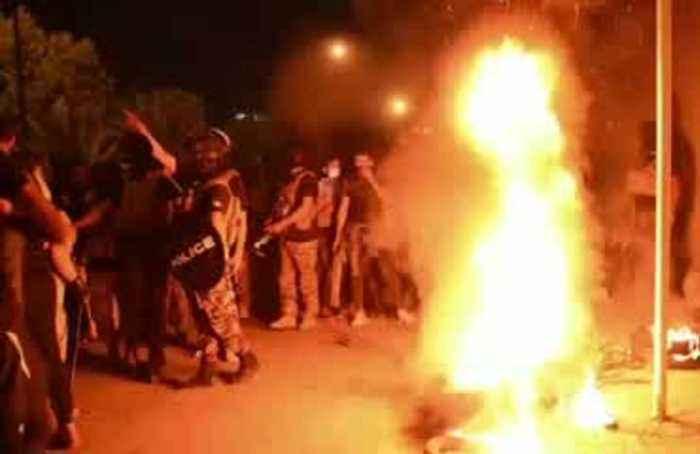 Iraqi protesters try to break into Iran consulate in Kerbala
